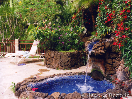 Prince Kuhio Pool and Fountain